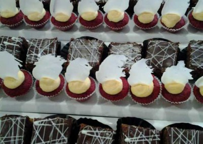 Mini Red Velvets and Chocolate Eclairs (2)