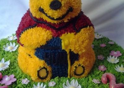 Winnie the Pooh Cake (2)