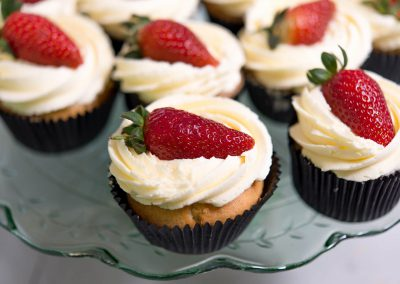 Strawberry & Cream Cupcakes